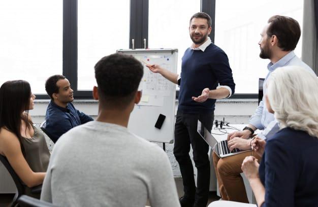 Fichier B2B Premium – Dirigeants de PME (de 10 à 250 salariés)